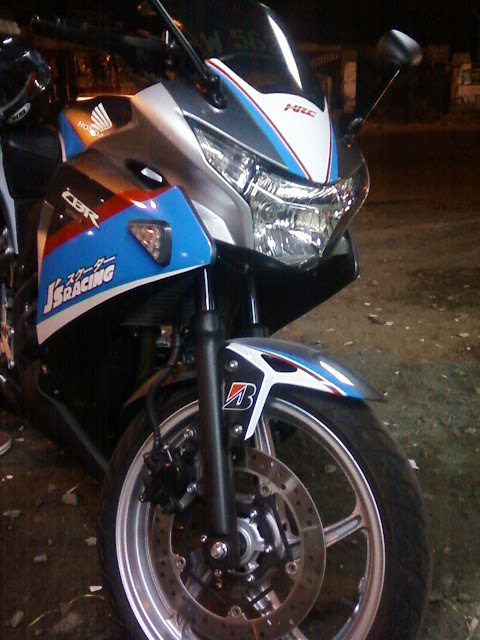 Cutting sticker cbr 250