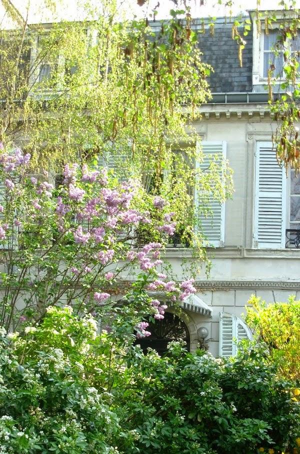 art et glam le printemps la cit des fleurs paris 17 me. Black Bedroom Furniture Sets. Home Design Ideas
