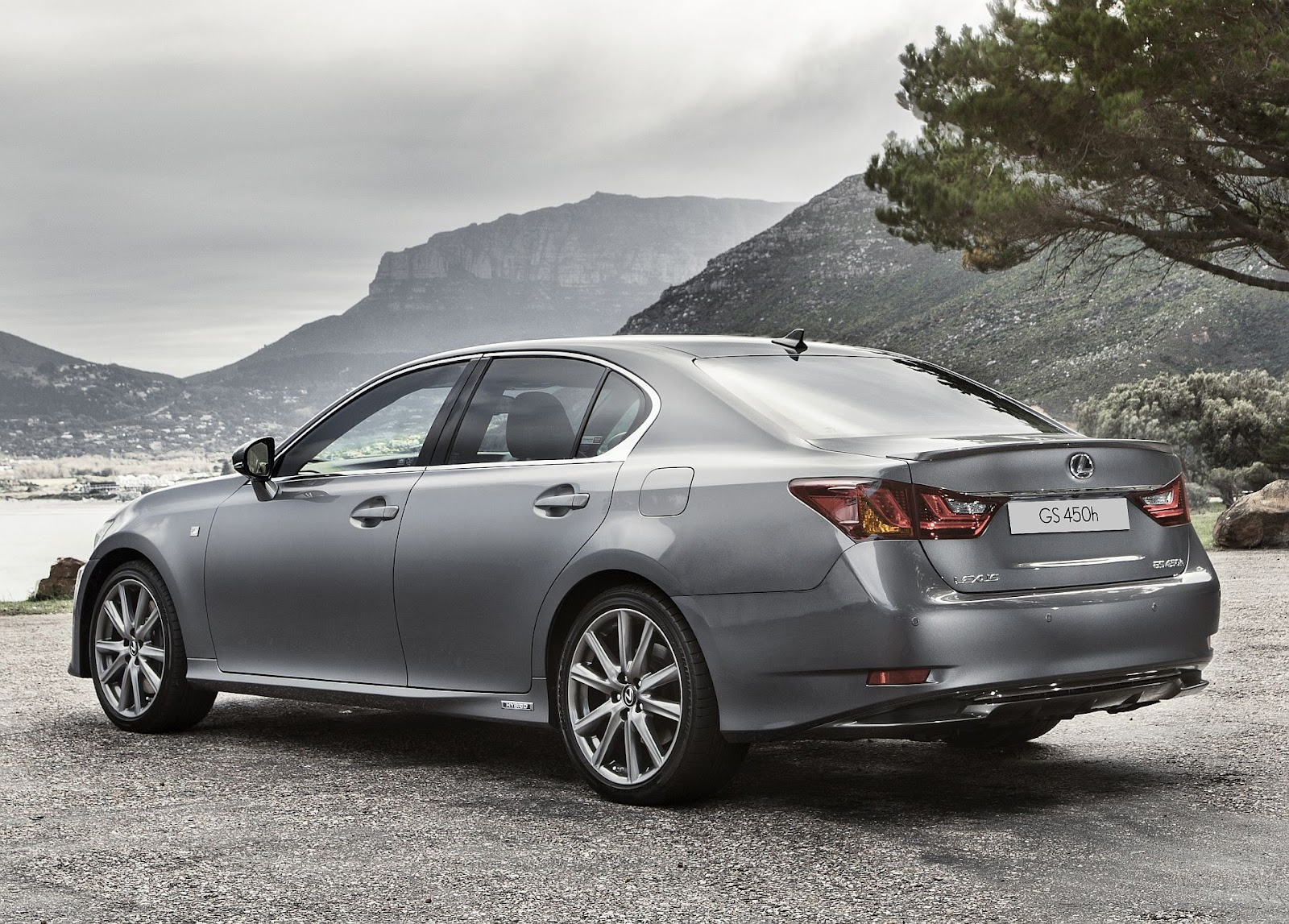 in4ride 2012 lexus gs breaks into mzansi. Black Bedroom Furniture Sets. Home Design Ideas