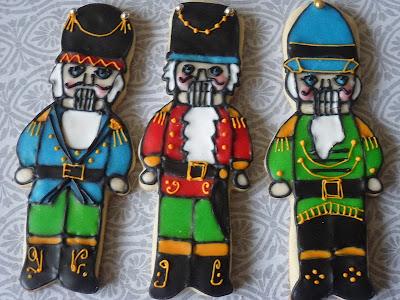 http://theenchantedoven.blogspot.ru/2011/12/nutcracker-cookies.html