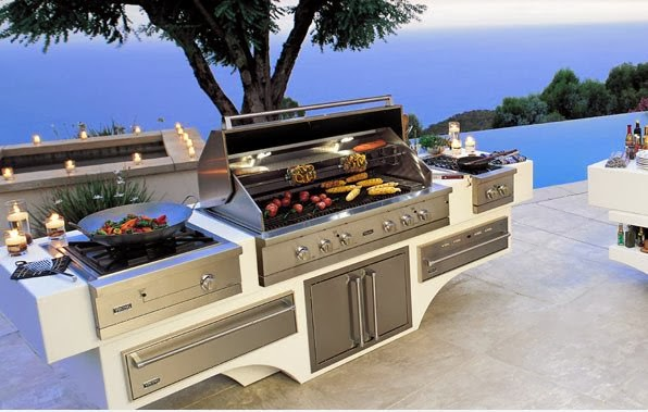 Pleasure of cooking in outdoor kitchens goodiy for Viking outdoor kitchen