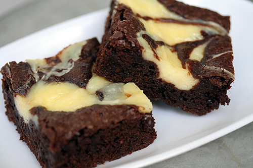 CALEES NARRATIVE: Chocolate Chip Cheesecake Brownies