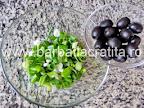 Salata cu avocado, ceapa verde si masline preparare reteta