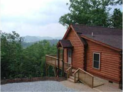 North carolina cabins mountain vacation rentals and for Rustic cabins near asheville nc