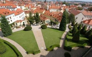 Vistas de Praga desde el jardín Vrtba