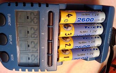 Pilas recargables en cargador