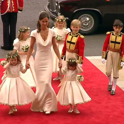 The Maid of Honour, Pippa Middleton surrounded by bridesmaids and pageboys as they arrive at Westminster Abbey. YouTube 2011.