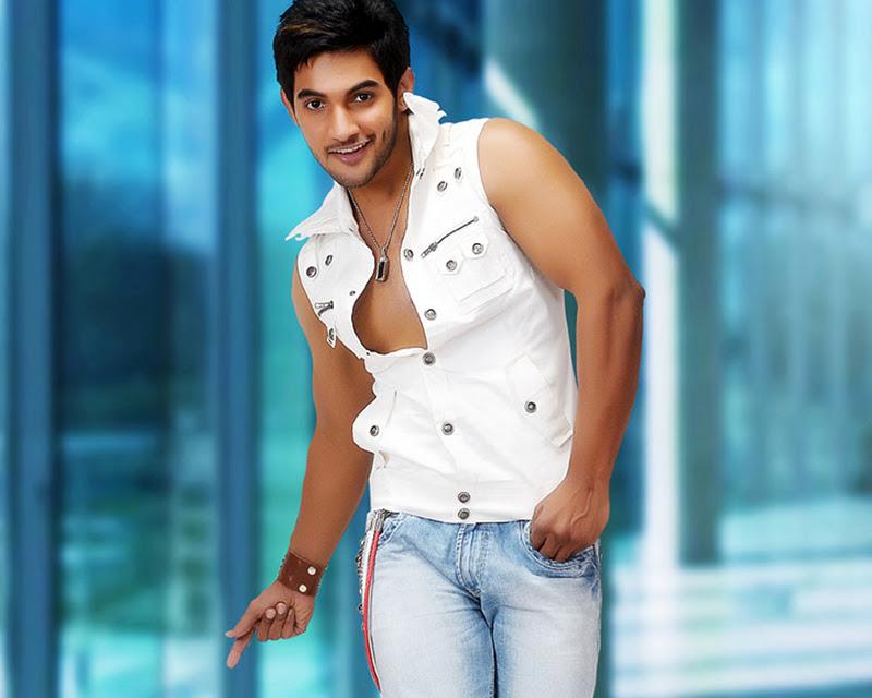 Indian Movie Updates,Telugu,Hindi,Tamil Movie Hot And Spicy Galleries,Wallpapers,Cinema Videos