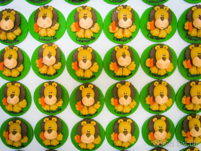 Lembrancinha 1 Aninho Primeiro Aninho Leão Biscuit Safari