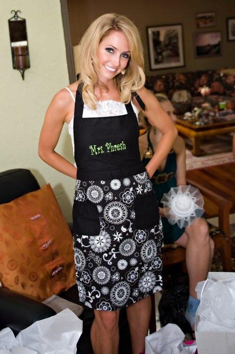 mrs presh apron super cute