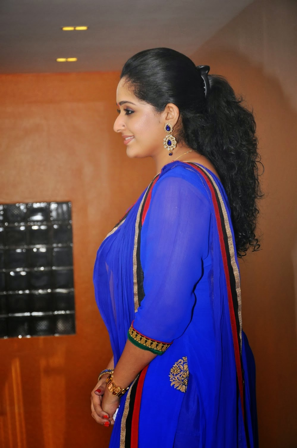 kavya madhavan bathroom 28 images www hot actress With kavya madhavan bathroom