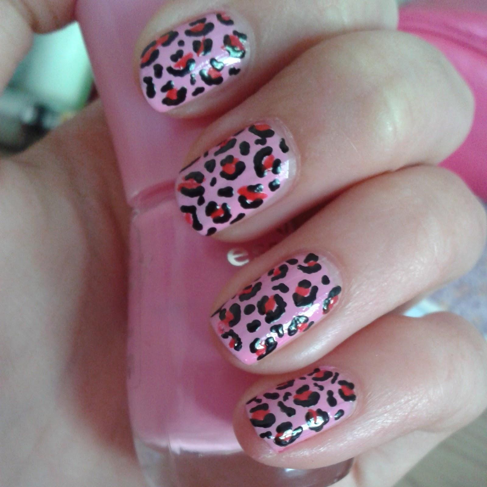 nail decorations: Panterprint nailart