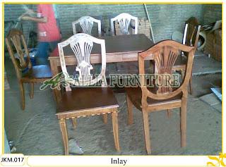 Meja dan Kursi Makan Kayu Jati Ukiran Inlay
