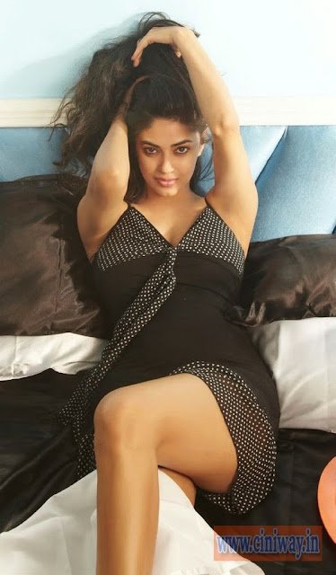 Meera-Chopra-FHM-Magazine-Photoshoot