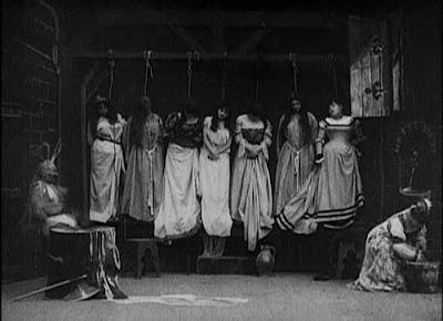 Blue Beard (1901) women hanging