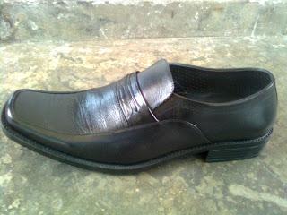 Sepatu Kulit Wanita