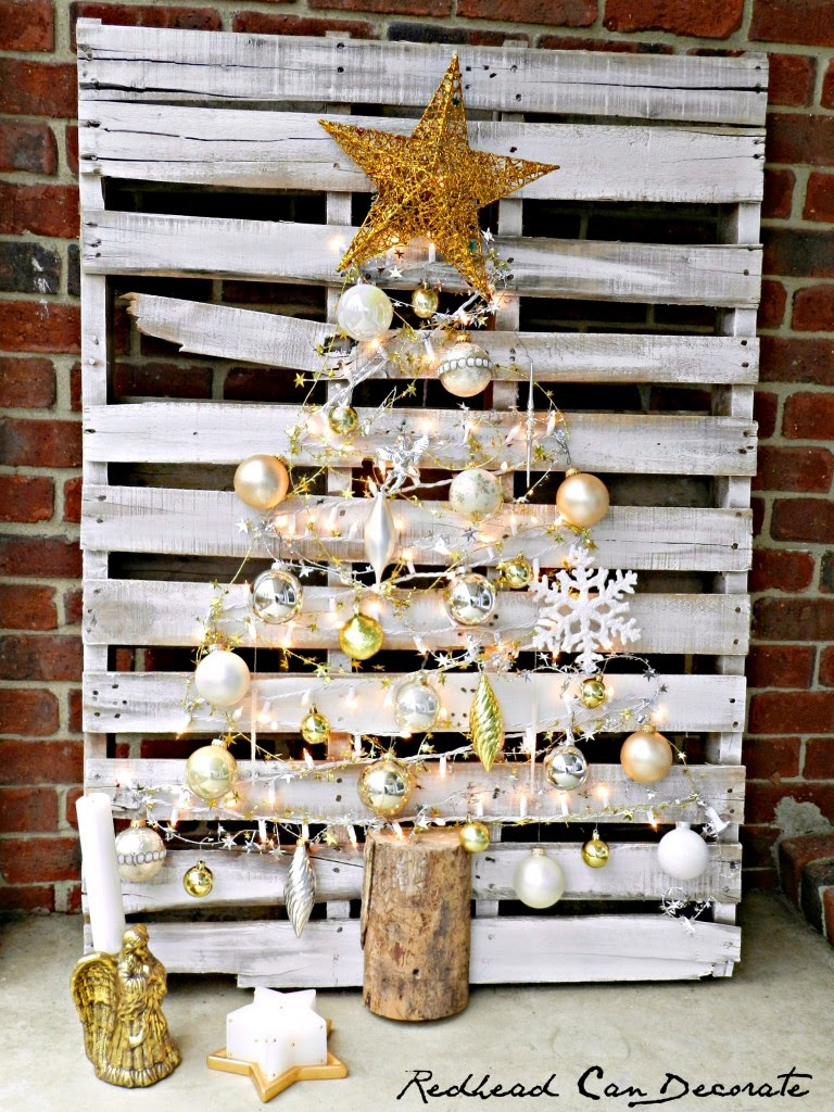 Not Your Average Southern Belle   DIY  Lighted Pallet Christmas Tree uZSFWvSp
