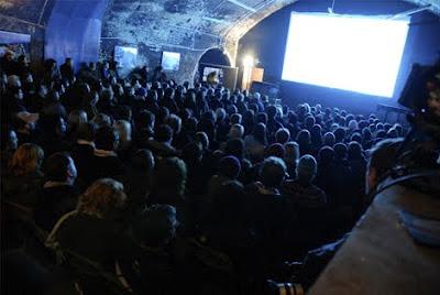 """<img src=""""http://www.estoyenlondres.com"""" alt=""""Peliculas secretas, en lugares secretos en Londres""""/>"""