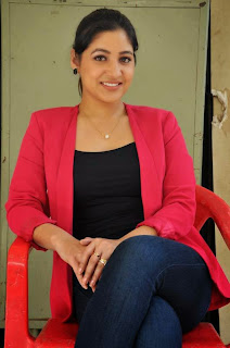 Actress Prabhjeet Kaur Latest Picture Gallery in Jeans at Intelligent Idiots Press Meet  40.JPG