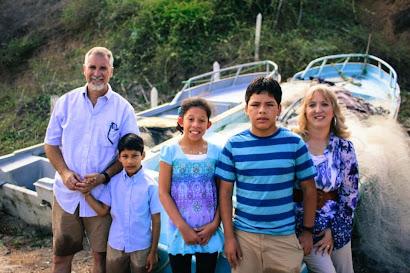 Family in Manta Ecuador