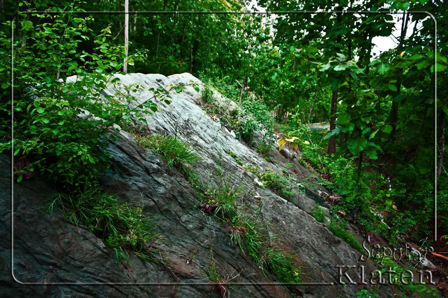 Legenda Watuprau (Batu Perahu) di Gunung Gajah, Bayat, Klaten  02+watuprau+bayat