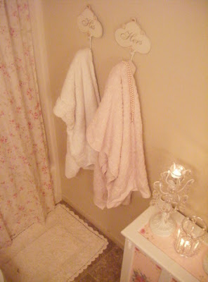 Not so shabby shabby chic hamper revamp for Why does my shower curtain turn pink