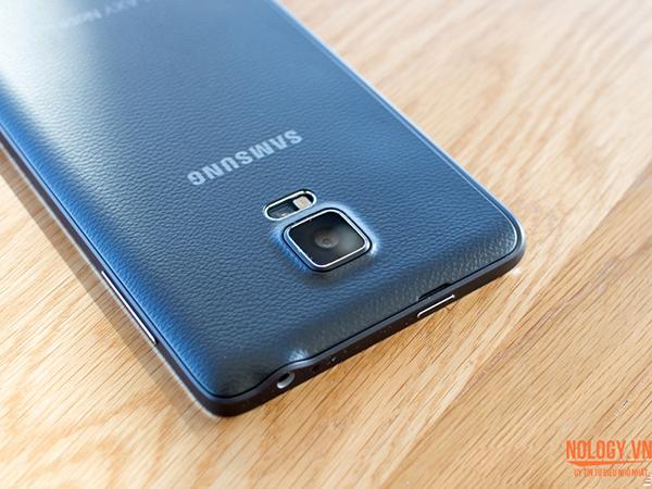 Lưng giả da của Galaxy Note Edge Docomo