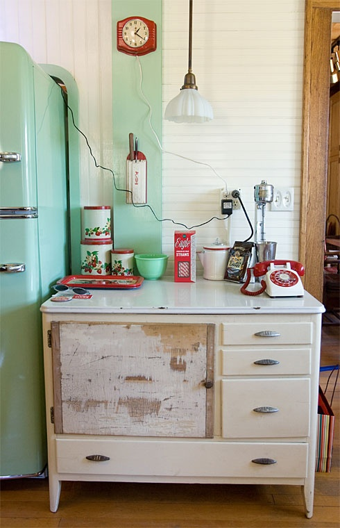 Estilo vintage en la cocina kansei cocinas servicio - Mesa cocina vintage ...