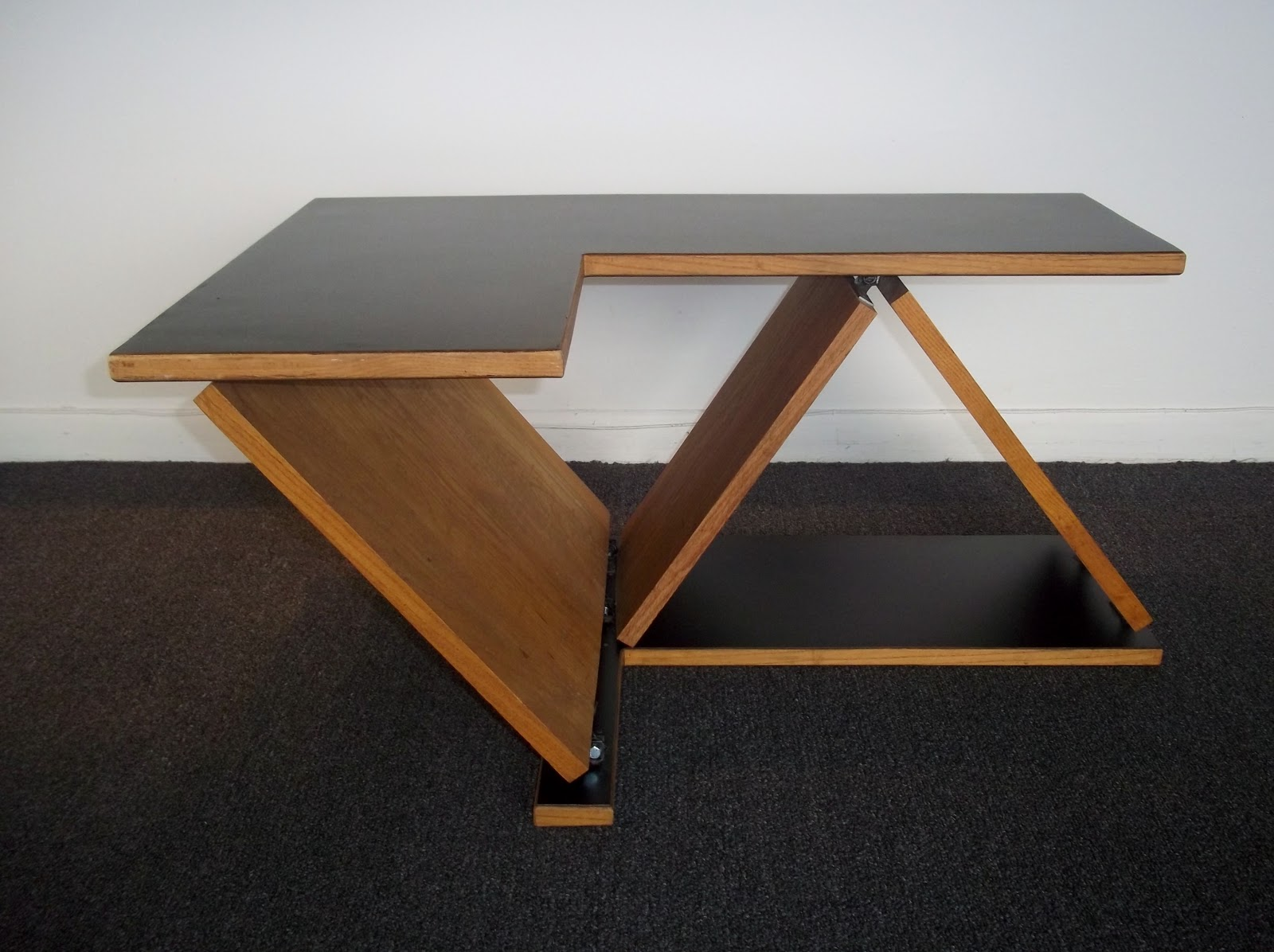 Modern20 Later Mid Century Modern End Tables Coffee Table