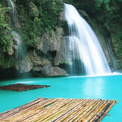 Kawasan Falls at The Philippines - Filipinas