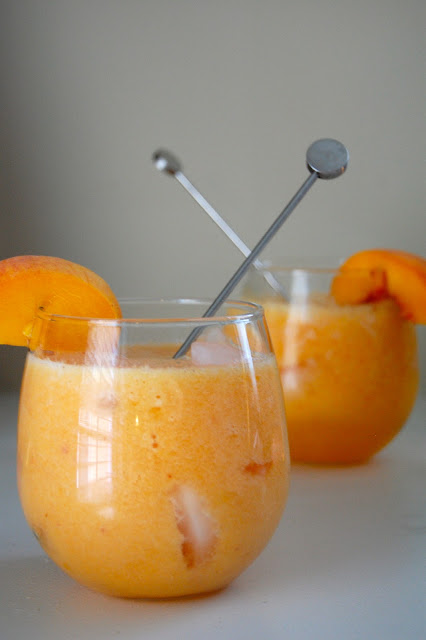 peach lemonade destination wedding mocktail