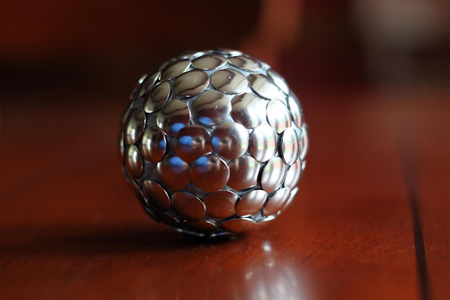 crafts ideas and tutorial: thumbtack home decor ball