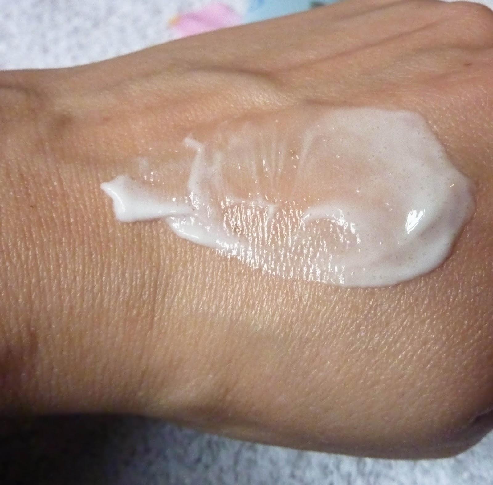 texture-gommage-peaux-normales-mixtes-coslys-bio-alessaknox.be