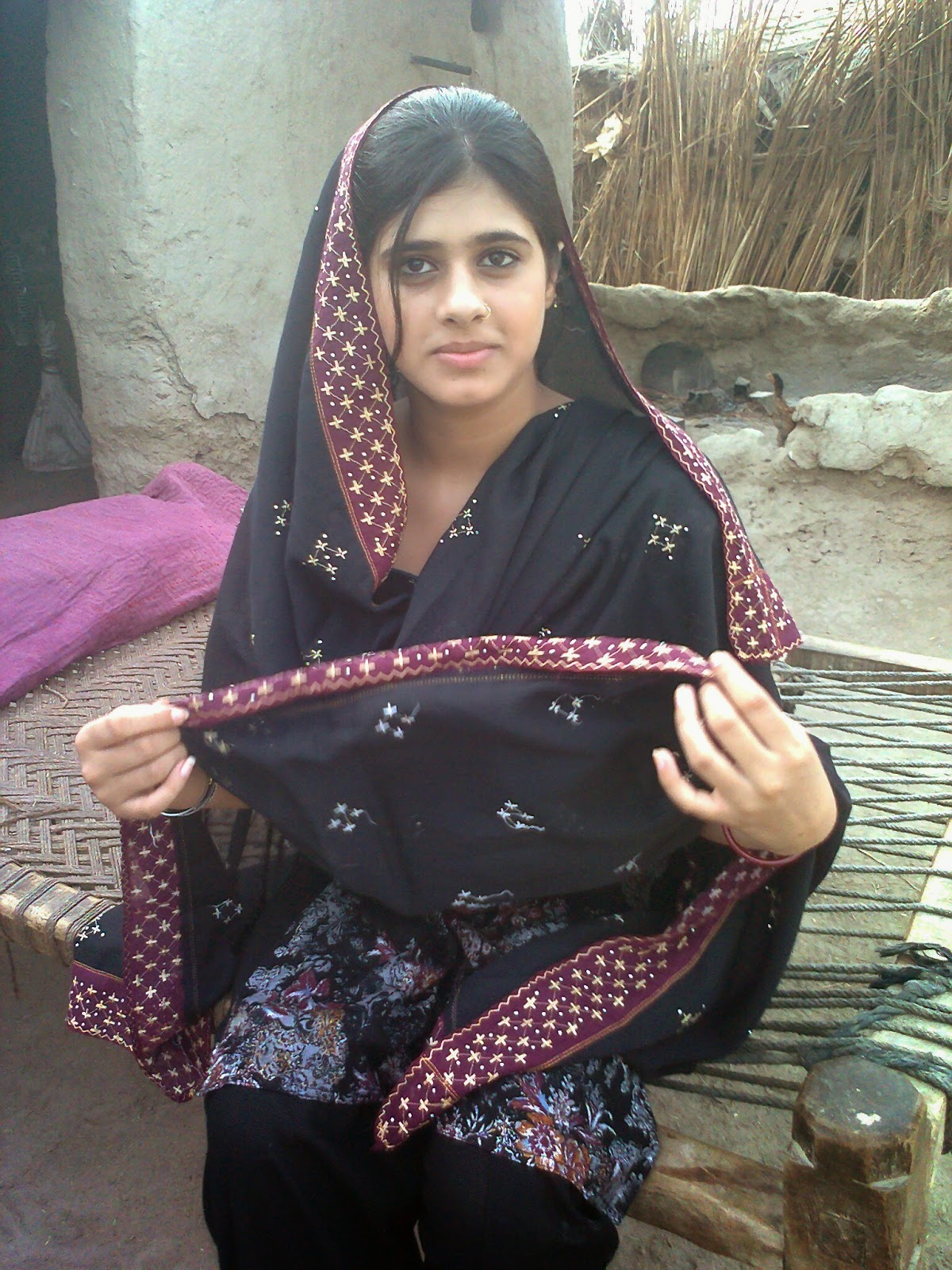 Pakistani Teenage Villages Girls Looking Nice HD Photos