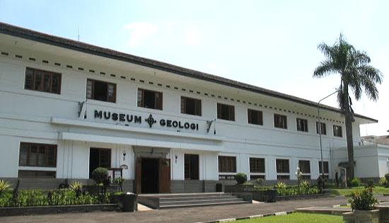 Tempat wisata menarik di bandung Museum Geologi