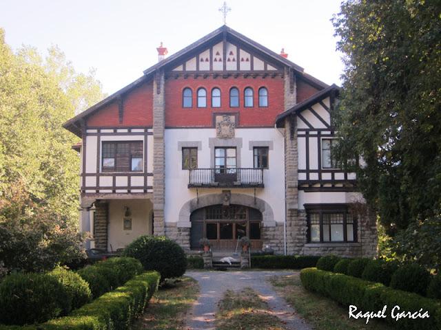 Chalet Llaguno, arquitecto Emiliano Amann, estilo neovasco (Orduña)