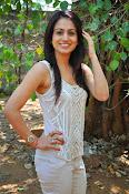 Aksha pardasany glamorous photos-thumbnail-9