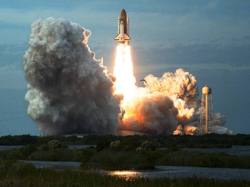 http://4.bp.blogspot.com/-gb7BykK__XI/TsGh96d9n9I/AAAAAAAAD1g/5OV3avRPrzc/s1600/394680_space_shuttle.jpg