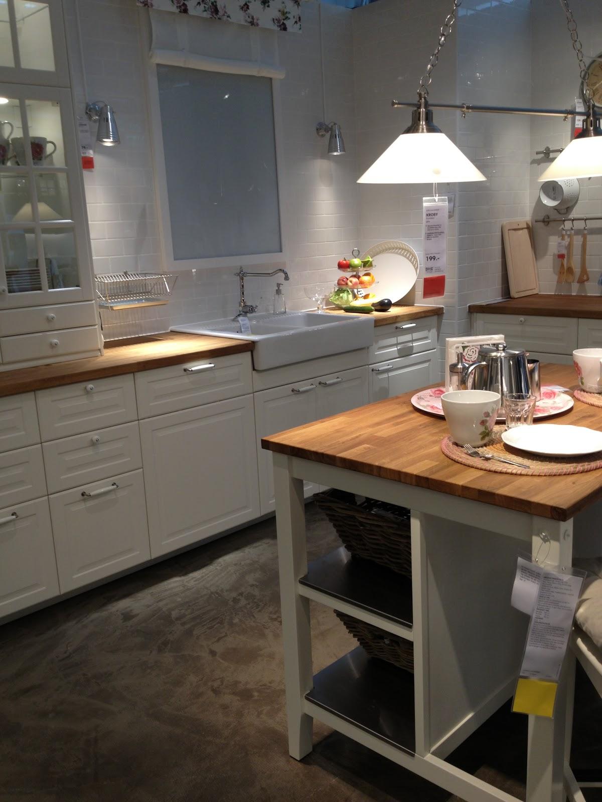 Et voksent liv: Sort vs. hvidt køkken