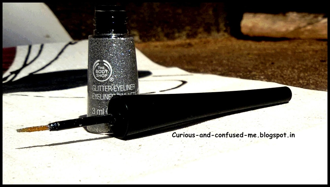 The Body Shop Glitter Liquid Eyeliner review, The Body Shop Glitter Liquid Eyeliner swatch, Glitter eyeliner India, safe glitter India, Best Glitter eyeliner india review, The Body shop makeup