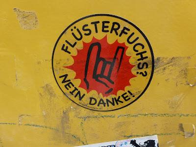 Flüsterfuchs? Nein Danke!, Sticker, München, Streetart