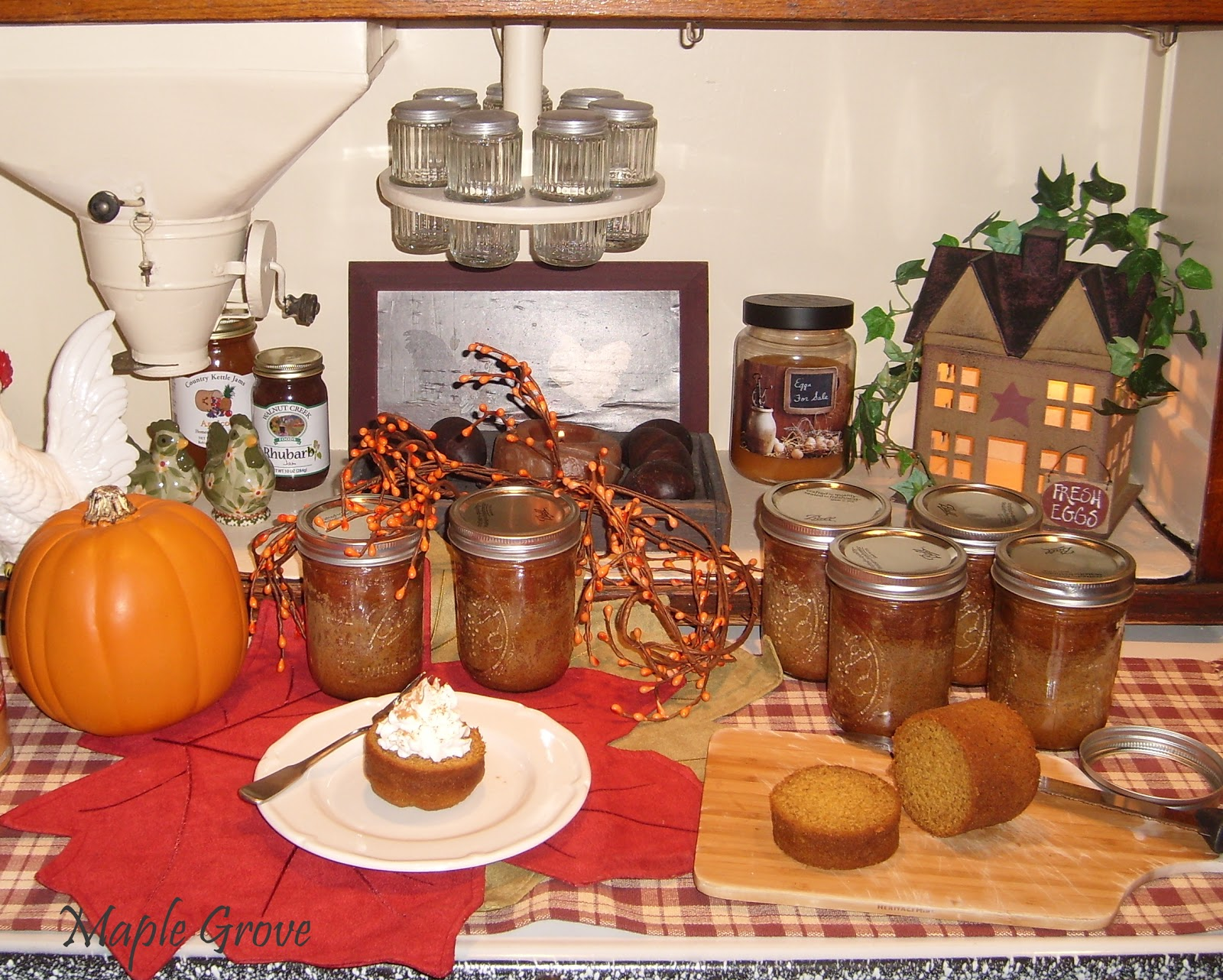 Maple Grove: Pumpkin Cake in a Jar