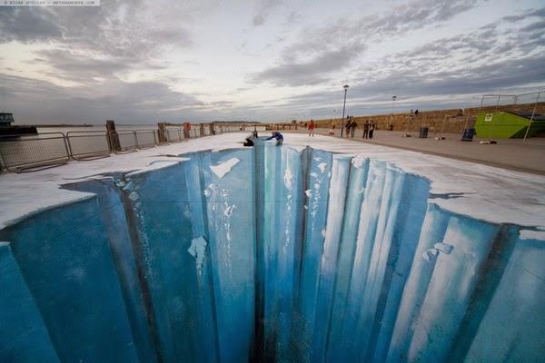 3D street art - ngh    thu   t s   ng      ng tr  234 n m   t      tDepth Sidewalk Art