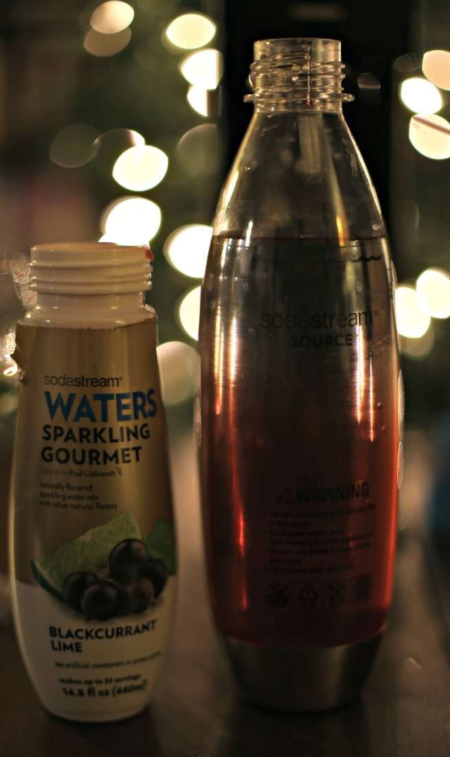 Easy Glitter Glasses and Sparkling Water