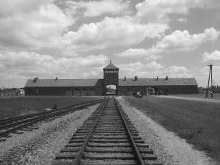 Καλώς Ήρθατε Στο Στρατόπεδο Εξόντωσης «Auschgreece»
