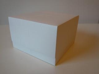 http://kreativerpott.blogspot.de/2013/11/origami-kastchen.html