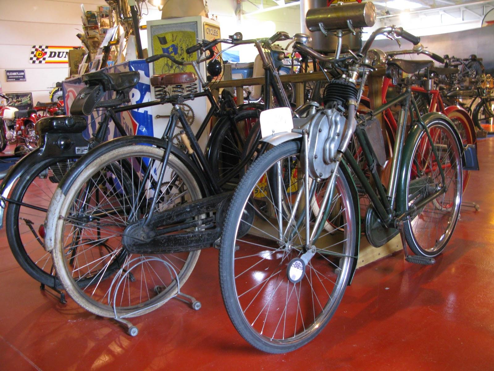 Cyclotracteur cyclemotor on Raleigh cross frame cycle