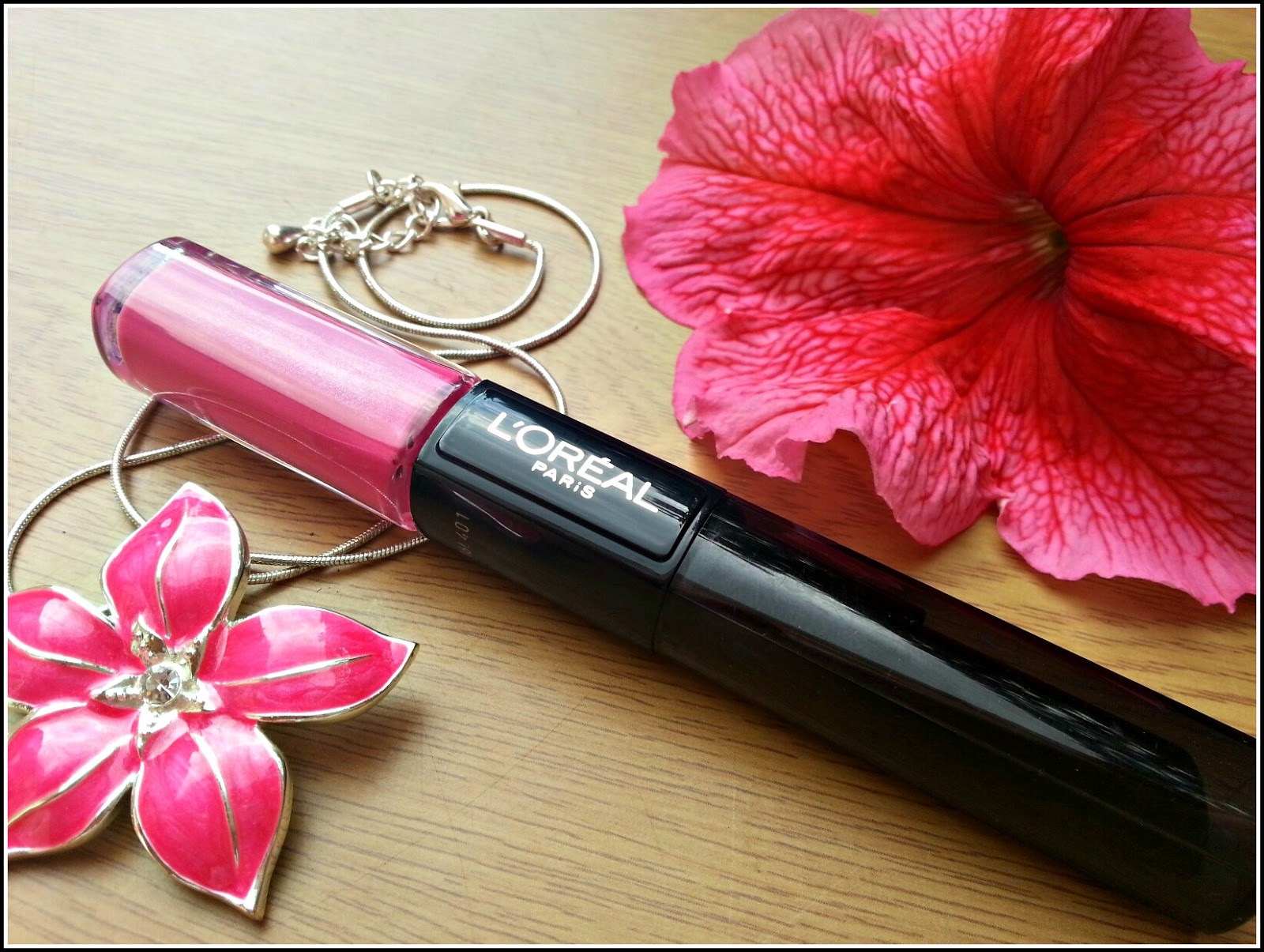 L'Oréal_Paris_Infallible_24H_Lip_Colour_Flawless_Fuchsia