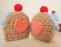 http://ohvillo.blogspot.com.es/2013/02/be-me-sweetheart-un-amigurumi-para-san.html