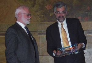 Picture of Lars Hedegaard (left)